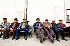 Anziani alzatevi dalla sedia